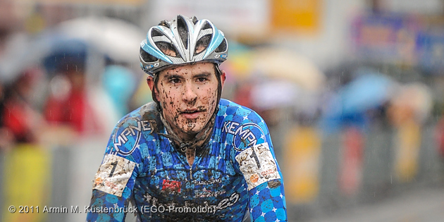 110109_GER_Lorsch_NCh_CX_U19m_Eckmann_finishing_acrossthecountry_by_Kuestenbrueck