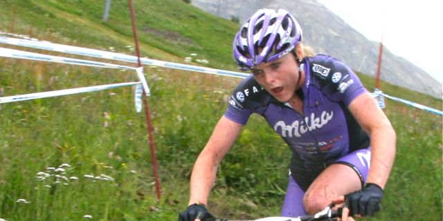 Annie-Last_corner_120728_ValdIsere_acrossthecountry_mountainbike_xco_by-Goller