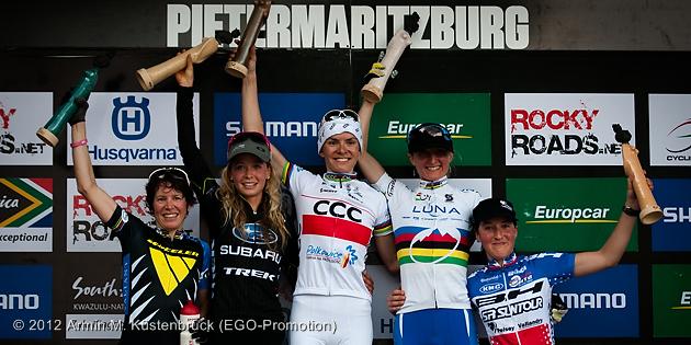 120317_RSA_Pietermaritzburg_XC_Women_ceremony_Suess_Batty_Wloszczowska_Pendrel_Bresset_by_Kuestenbrueck_acrossthecounty_mountainbike_xco