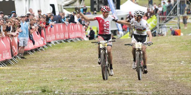 120728_FRA_Valdisere_Sauser_Kulhavy_last-race-Sauser_finishing_acrossthecountry_mountainbike_xco_by-Jaramillo