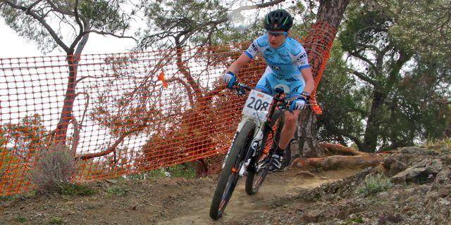 Adelheid-Morath_downhill_Afxentia_xco_acrossthecountry_mountainbike_by-Goller