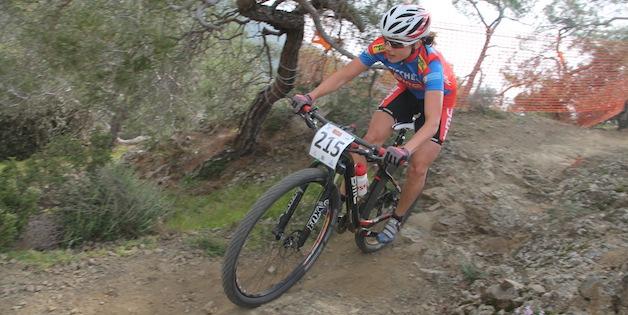 Corina-Gantenbein_afxentia_xco_downhill_sideview_acrossthecountry_mountainbike_xco