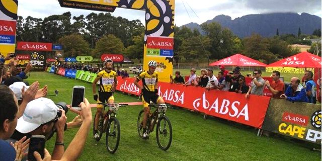 Sauser_Kulhavy_capeepic_stage6_finish_acrossthecountry_mountainbike_xco_by absacapeepic