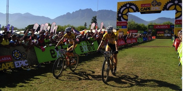 Sauser_kulhavy_stage5_finish_acrossthecountry_mountainbike_by-absacapeepic