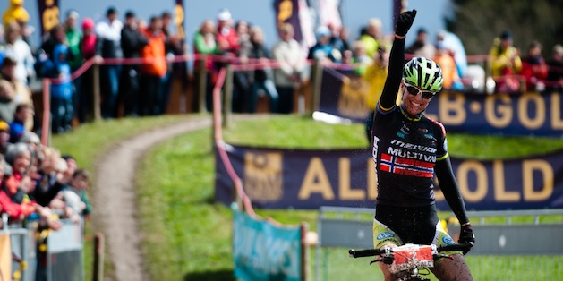 120422_GER_Muensingen_XC_Women_DahleFlesja_finish_acrossthecountry_mountainbike_xco_by_Maasewerd