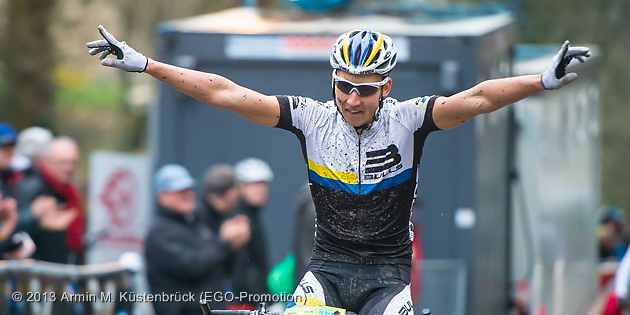 130420_GER_Heubach_XCE_men_final_Stiebjahn_winning_acrossthecountry_mountainbike_by_Kuestenbrueck
