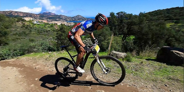 Julien-Absalon_StRaphael_seaview_acrossthecountry_mountainbike_xco_by-Vaulx