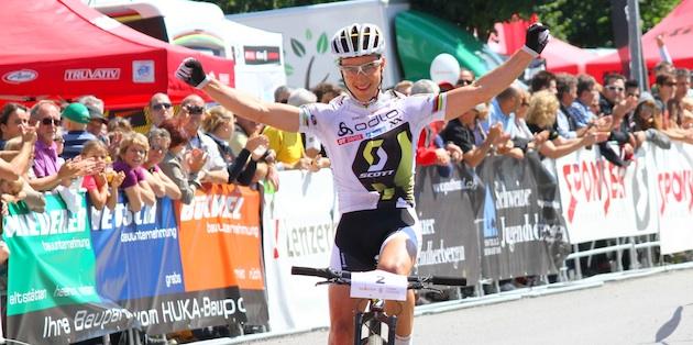 Nino Schurter_Balgach_SM_finish_winning_acrossthecountry_mountainbike_xco_by asprosport