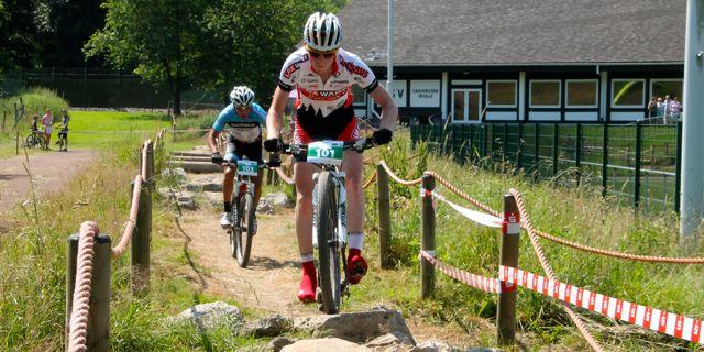http://acrossthecountry.net/bundesliga-saalhausen-u23-herren/pfaeffle_botero_trail_saalhausen_acrossthecountry_mountainbike_xco_by-goller/