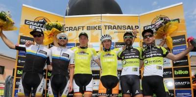 Urs-Huber_Karl-Platt_Markus-Kaufmann_Jochen-Kaess_Alban-Lakata_Robert-Mennen_podium-stage-6_TA13_acrossthecountry_mountainbike_by-Henning-Angerer.