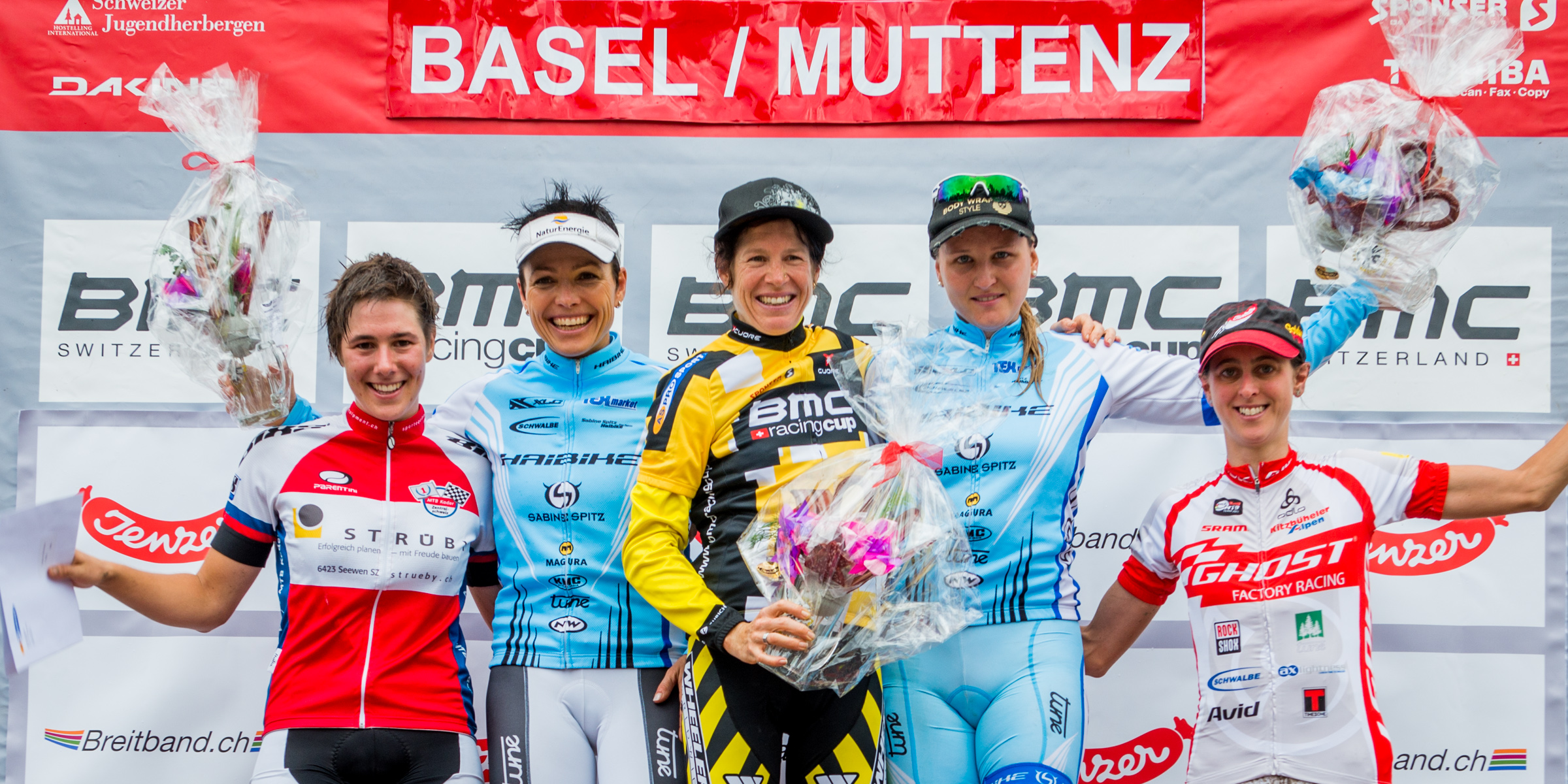130824_SUI_Muttenz_XC_Women_ceremony_IndergandL_Spitz_Suess_StirnemannK_Leumann_acrossthecountry_mountainbike_by_Kuestenbrueck
