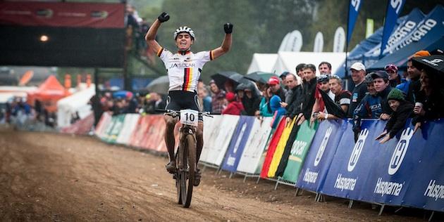 130830_RSA_Pietermaritzburg_XC_U23m_Schelb_finishing_acrossthecountry_mountainbike_by_Maasewerd
