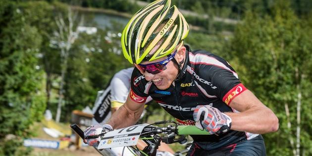 Mathias-Flueckiger_MSA_close_sideview_acrossthecountry_mountainbike_by-BIKE-Platter