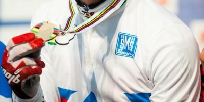 163 Mal wurde das Regenbogen-Jersey und die dazugehörige Goldmedaille bis jetzt verteilt.  ©Maasewerd/EGO-Promotion