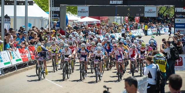 130518_GER_Albstadt_XC_JuniorsW_start_frontal_acrossthecountry_mountainbike_by_Maasewerd