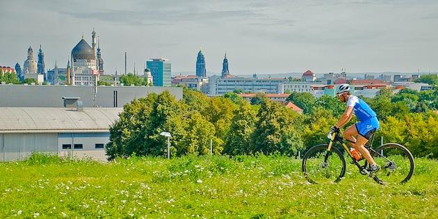 110904_GER_Dresden_XC_Men_Tann_SkylineOfDresden_acrossthecountry_mountainbike_by_Hofmann