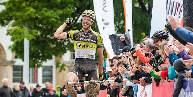 130512_GER_Singen_ECH_MX_Lakata_finish_celebrates_acrossthecountry_mountainbike_by_Maasewerd
