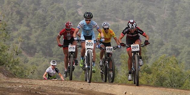 Blaza-Klemencic_Jolanda-Neff_Adelheid-Morath_Annika-Langvad_Gunn-Rita-Dahle-Flesjaa_vrechts_Afxentia_stage4_xc_acrossthecountry_mountainbike