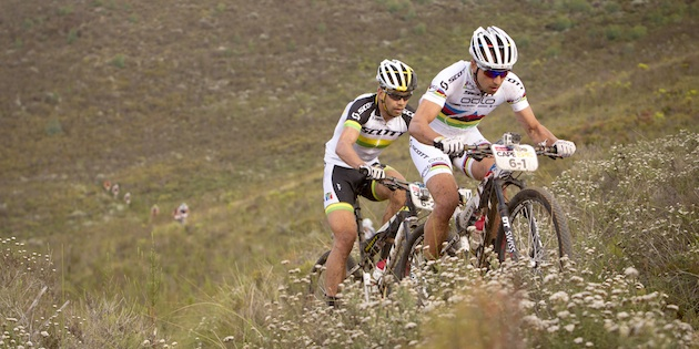 Schurter_Buys_upill_grass_acrossthecountry_mountainbike_by-Nick-Muza_Sportzpics