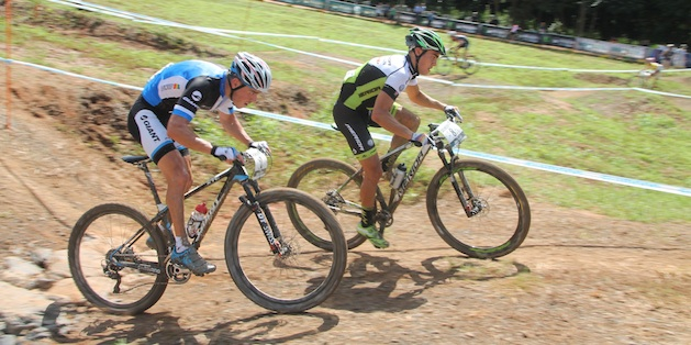 Schelb_vanderheijden_waves_cairns_acrossthecountry_mountainbike_by-Goller