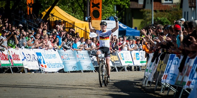 130518_GER_Albstadt_XC_U23m_SchulteLuenzum_finish_acrossthecountry_mountainbike_by_Kuestenbrueck