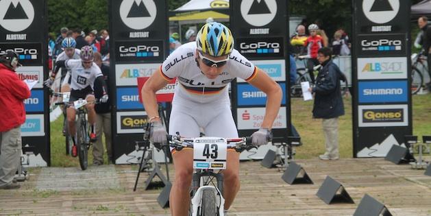 Simon-Stiebjahn_eliminator_start_acrossthecountry_mountainbike_by-Goller