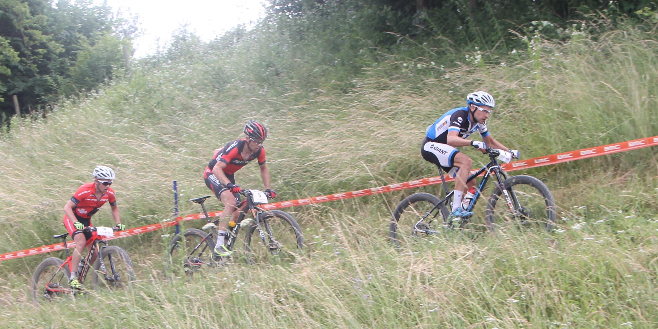 vl_MFlueckiger_LFlueckiger_Giger_graenichen_acrossthecountry_mountainbike