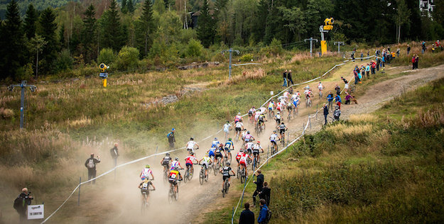 130914_NOR_Hafjell_XC_Women_Start_women_back_acrossthecountry_mountainbike_by_Maasewerd