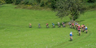 130922_GER_TransZollernalb_Stage3_Albstadt-Hechingen_chasersgroup_backview_by_Kuestenbrueck