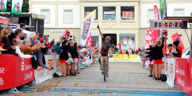 Zum Karriere-Abschluss Etappensieger: Hannes Genze ©Erhard Goller