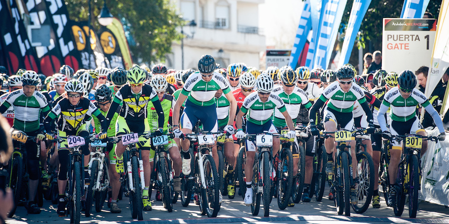 ABR15_stage4_start_Suess_Landtwing_acrossthecountry_mountainbike_by sportograf