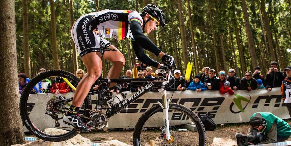 120513_CZE_NoveMesto_XC_Women_Spitz_rocks_sideview_acrossthecountry_mountainbike_1_by_Kuestenbrueck