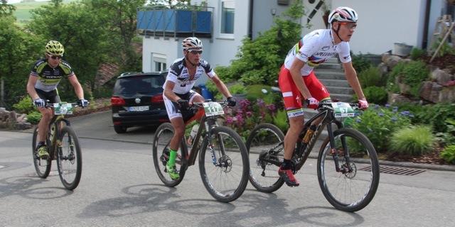 http://acrossthecountry.net/wp-content/uploads/2015/05/from-right_Kulhavy_Weber_Hynek_uphill_HBM15_Marathon-EM15_acrossthecountry_Mountainbike_by-Goller-094.jpg