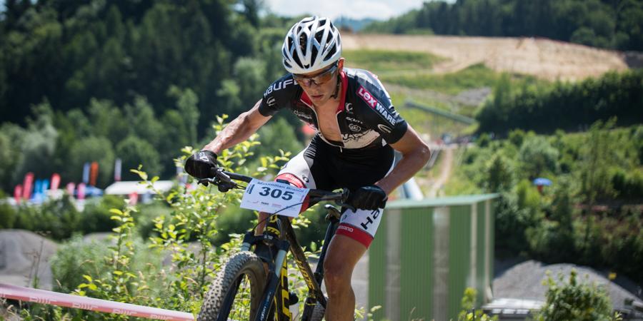 Start-Ziel Sieg für Max Brandl. Hier im Aufstieg im Kieswerk. Foto: Lynn Sigel