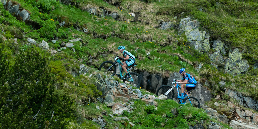 Tony Longo and Roel Paulissen_climb_acrossthecountry_mountainbike_byReginaStanger