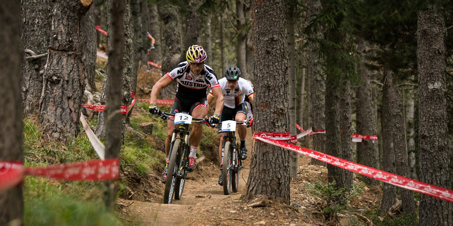 Im Trail war Simon Gegenheimer Daniel Federspiel noch dicht an den Fersen. Foto: Lynn Sigel