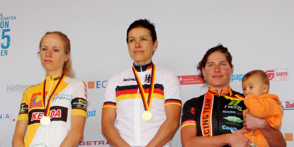 Schmidt_Spitz_Brandau_ceremony_Marathon-DM15_by Goller