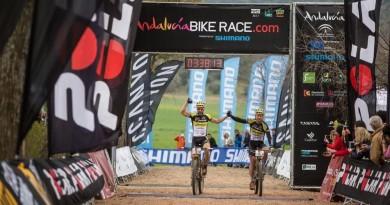Alban Lakata_Kristian Hynek_Andalusia Bike Race_by Sportograf