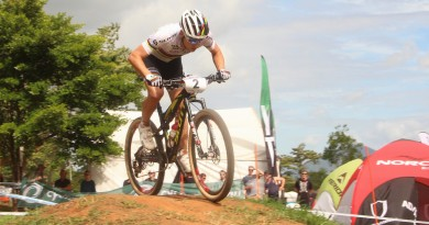 Nino Schurter_WC16_Cairns_men_by Goller