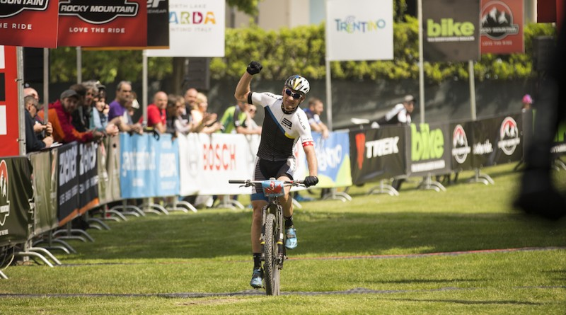 Urs Huber_Gardasee_finish_by Andy Eyring
