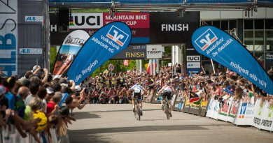 Absalon_Schurter_backview_finish_WC16_Albstadt_by Dobslaff.