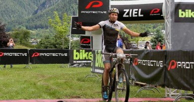 Simon Stiebjahn_finish_BikeFourPeaks_Etappe1_by Oliver Kraus