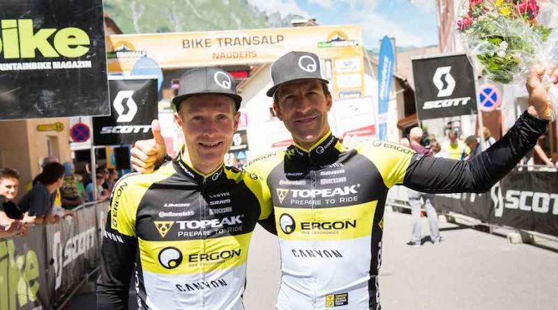 Winners-of-stage1-Kristian-Hynek-CZE-Alban-Lakata-AUT-©-Miha-Matavz