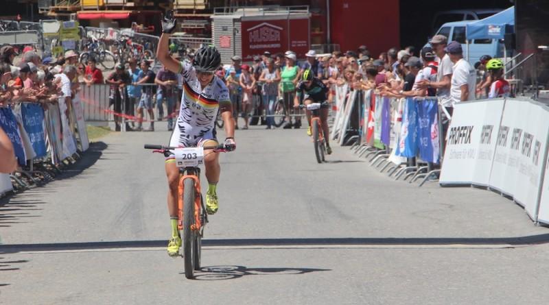 Spitz_Keller_finish_SBC17_Graenichen_women_junior-women_by-Goller