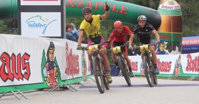 Schelb_Milatz_Stiebjahn_sprint-finish_RBG17_Etappe2_by-Goller.