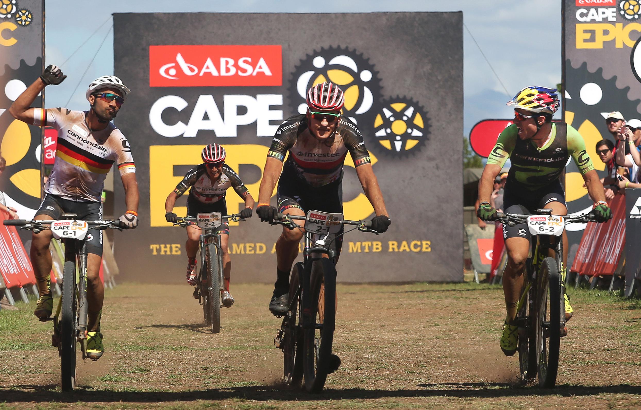 Zieleinlauf Etappe 1 ©Shaun Roy/CapeEpic/Sportzpics