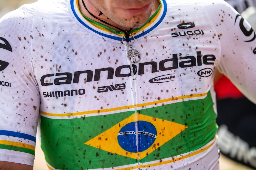 Avancini_Brazil_jersey_by-Michele-Mondini.