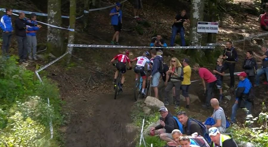 Screenshot_WC18_LaBresse_Batty-contra-Langvad_by-RedBull