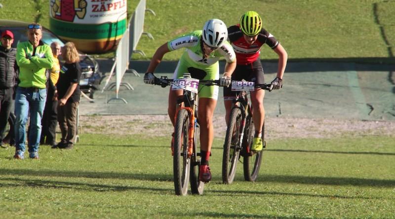 Fend_Eydt_sprint-finish_BL18_Titisee-Neustadt_Damen_-by-Goller