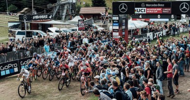 WC18_La Bresse_Start_Women_by Bartek Wolinski_RedBull Content Pool.